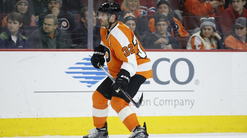 Mark Streit a permis à Philadelphie de s'imposer 3-2 face à Boston.