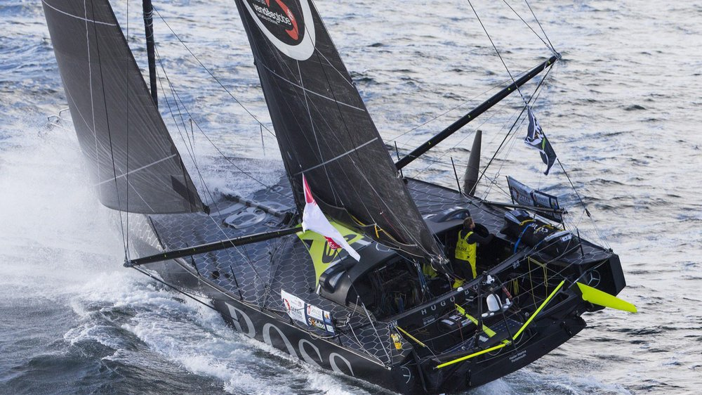 Alex Thomson conforte son avance